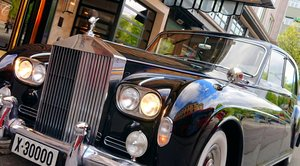 Rolls-Royce Phantom V James Young