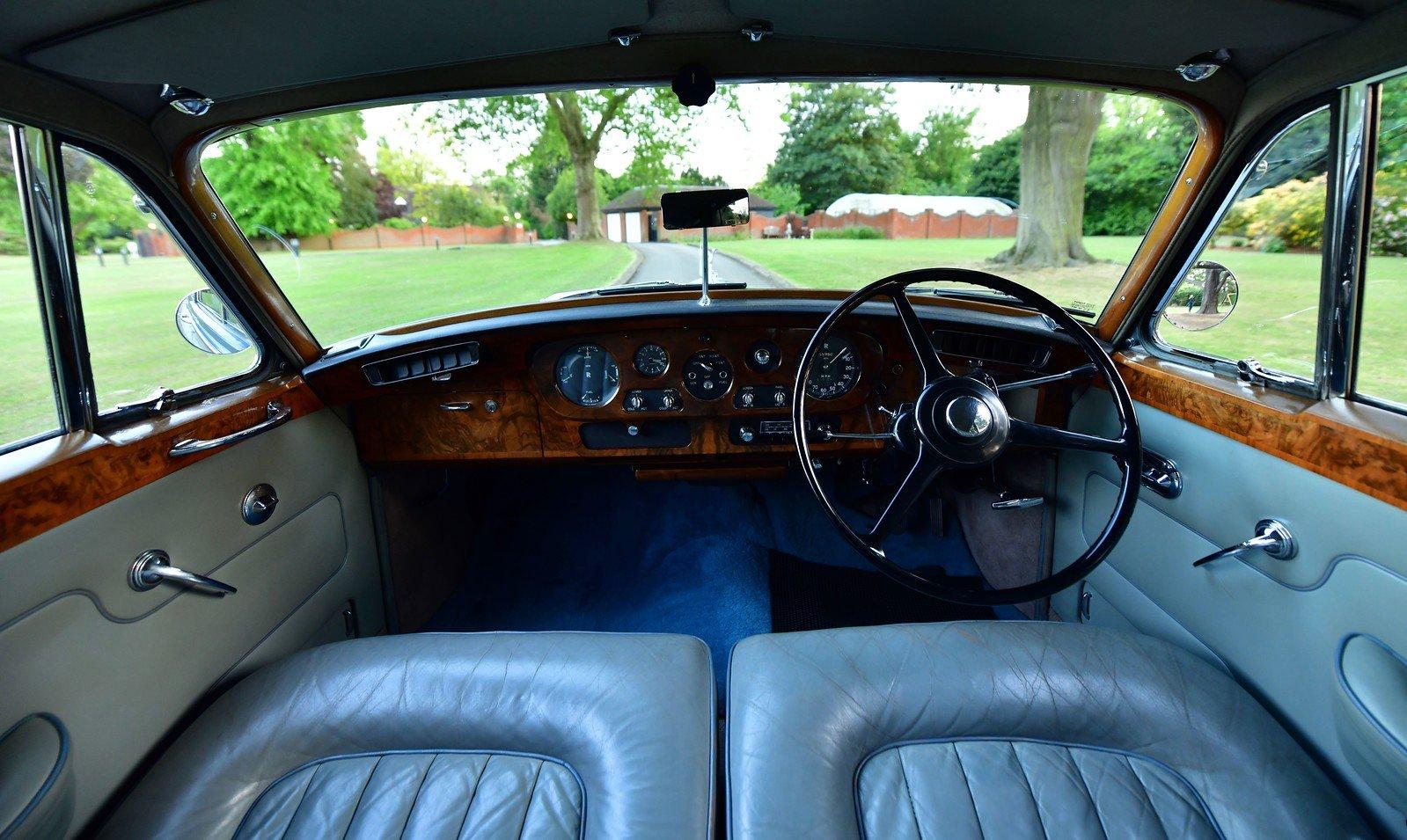 1964 Rolls-Royce Silver Cloud III Standard Steel Saloon For Sale (picture 4 of 6)