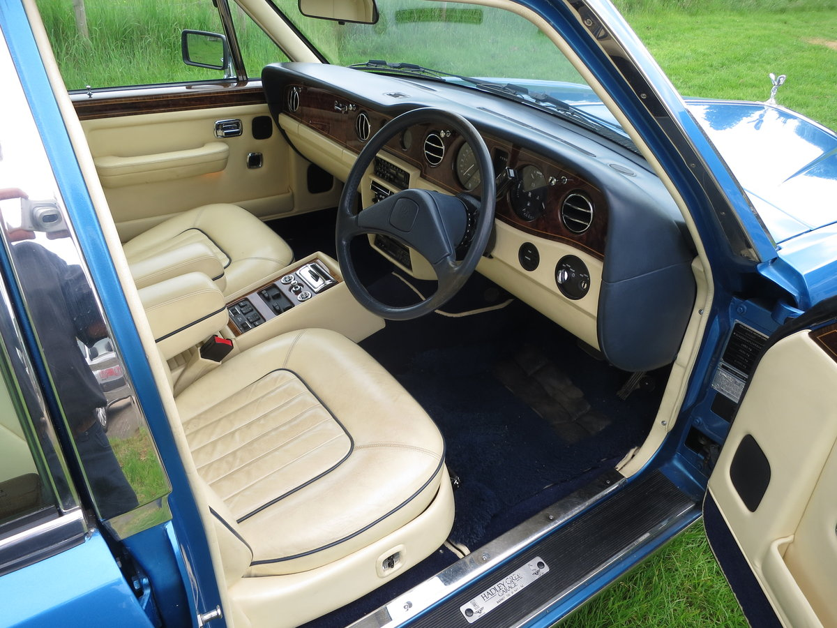 1990 Rolls-Royce Silver Spirit II SOLD (picture 5 of 6)