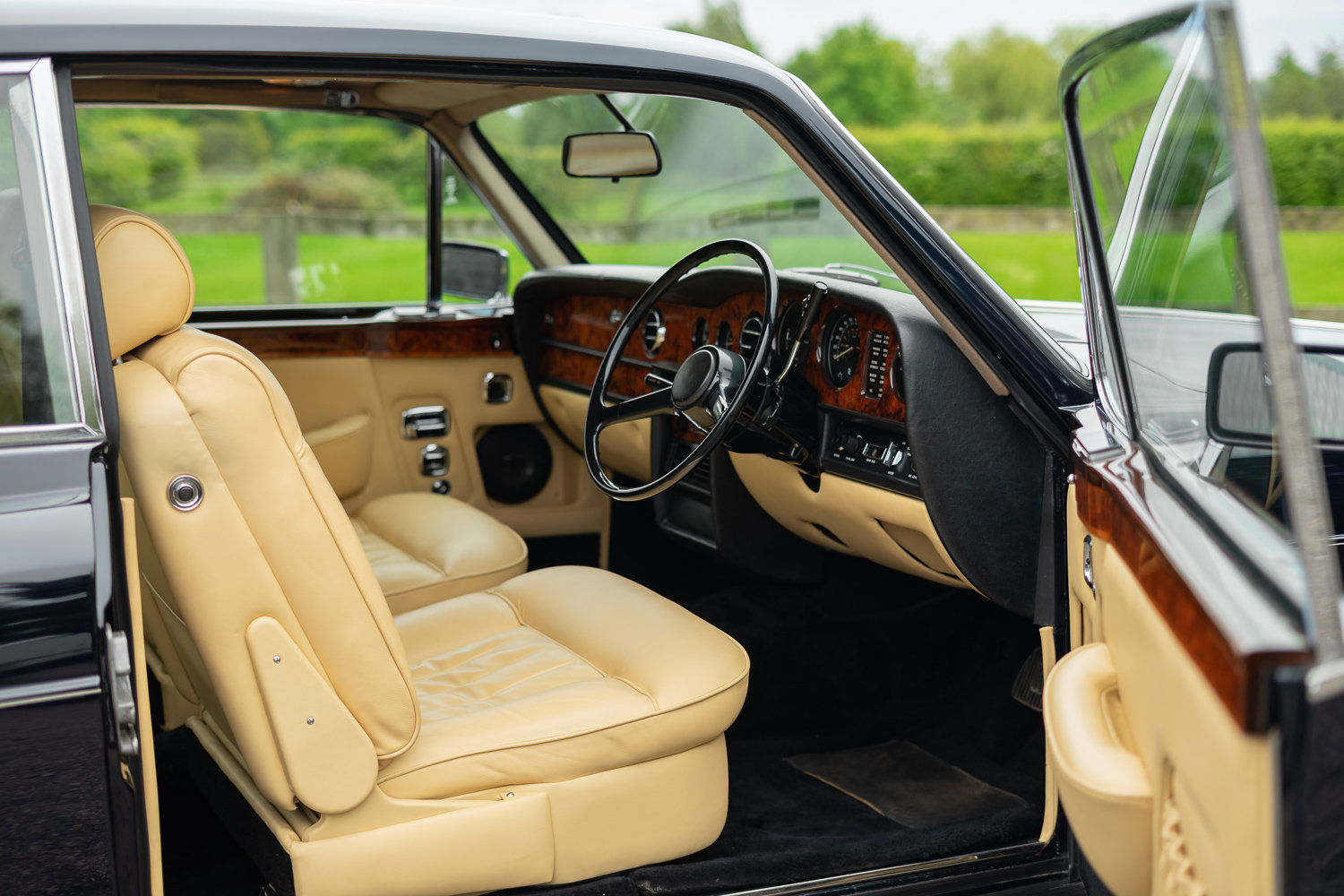 1978 Rolls-Royce Corniche **NOW SOLD** For Sale (picture 3 of 6)