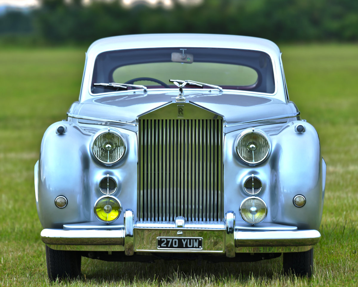 1951 Rolls-Royce Silver Dawn Fastback Coupé Coachwork by Pin For Sale (picture 3 of 6)