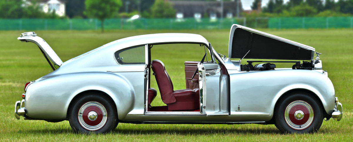 1951 Rolls-Royce Silver Dawn Fastback Coupé Coachwork by Pin For Sale (picture 5 of 6)