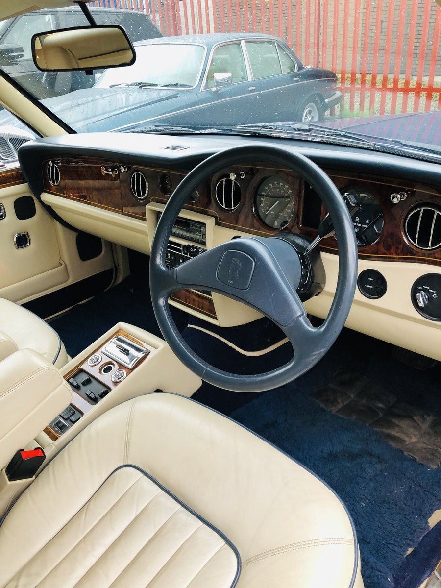 1991 ROLLS ROYCE SILVER SPIRIT II - LOW MILEAGE, STUNNING SOLD (picture 3 of 6)