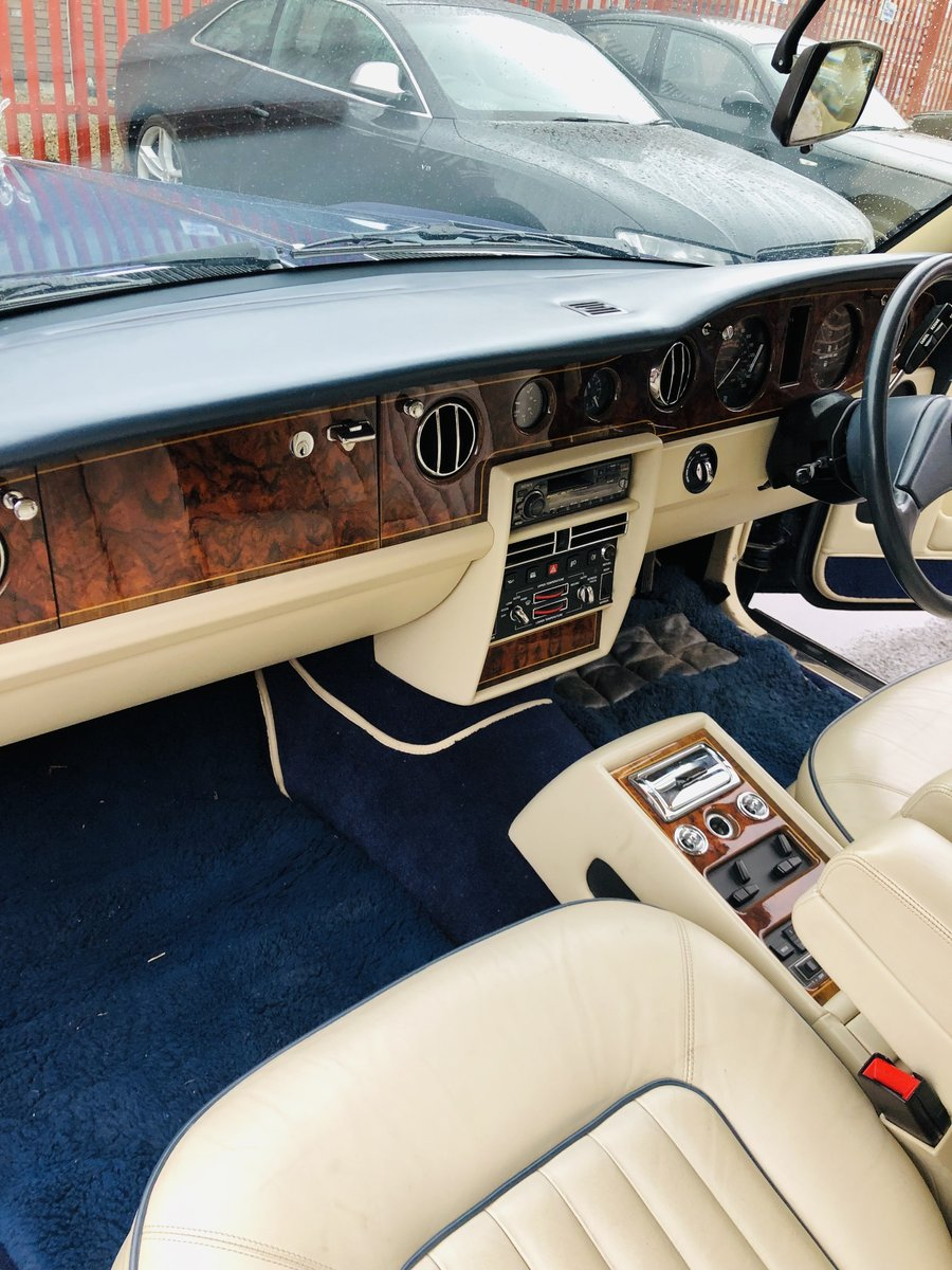 1991 ROLLS ROYCE SILVER SPIRIT II - LOW MILEAGE, STUNNING SOLD (picture 4 of 6)