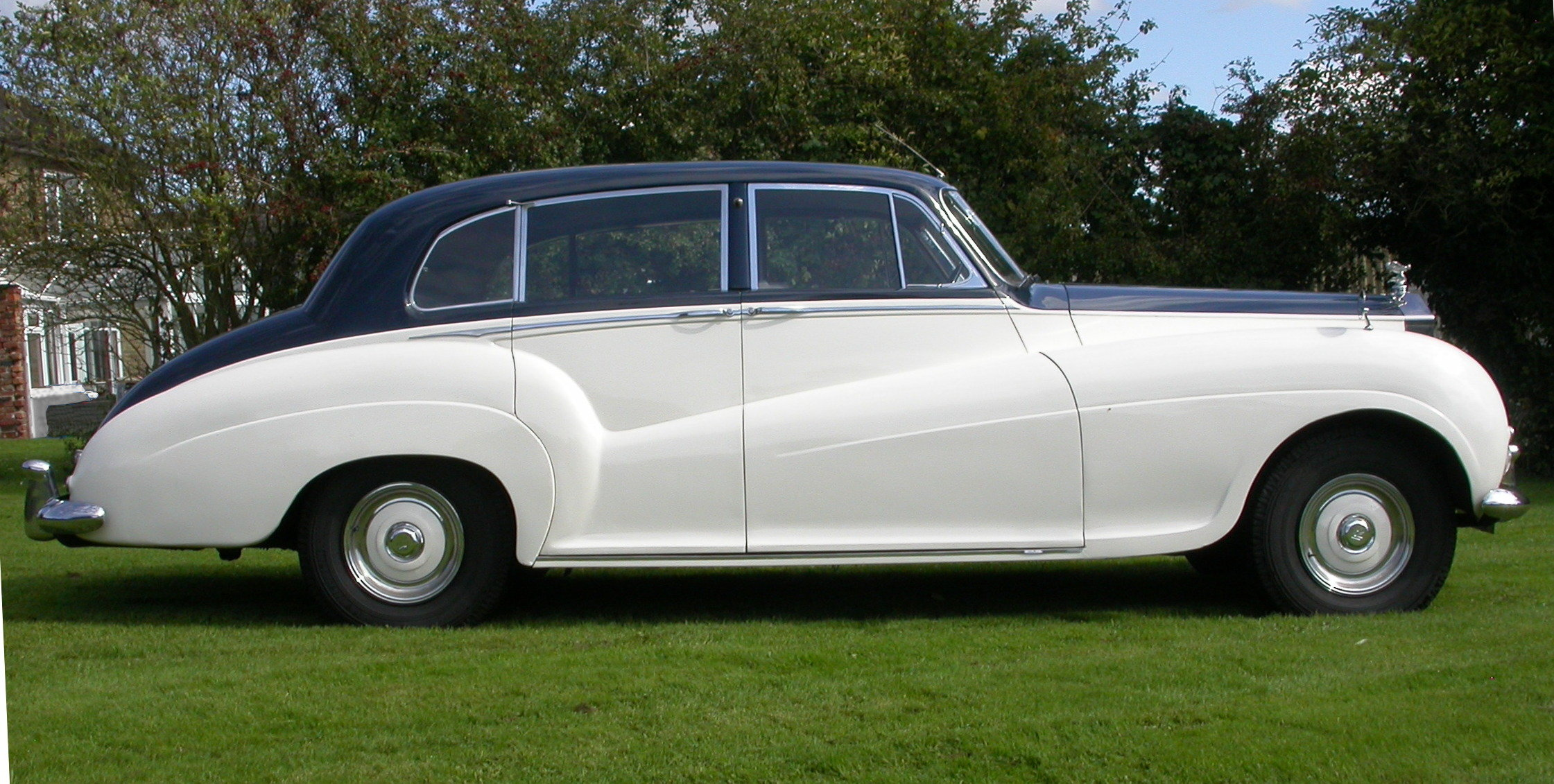 1954 Rolls-Royce Silver Wraith H J Mulliner For Sale (picture 2 of 6)