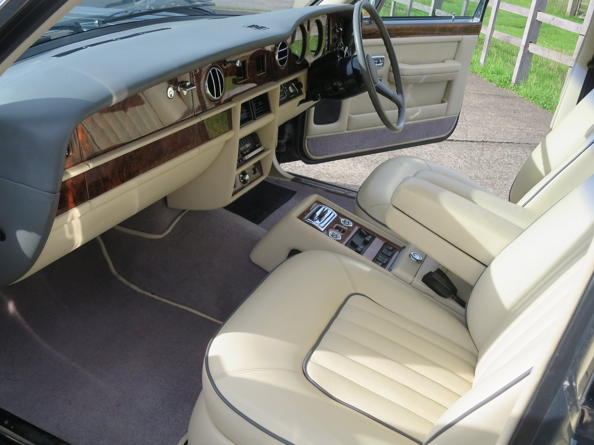 1989 Rolls-Royce Silver Spirit SOLD (picture 2 of 6)