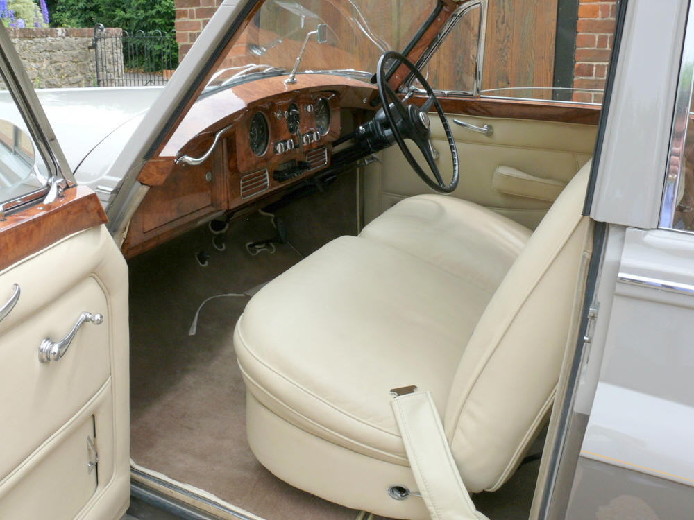1956 Rolls-Royce Silver Cloud SC10 by James Young  For Sale (picture 4 of 6)