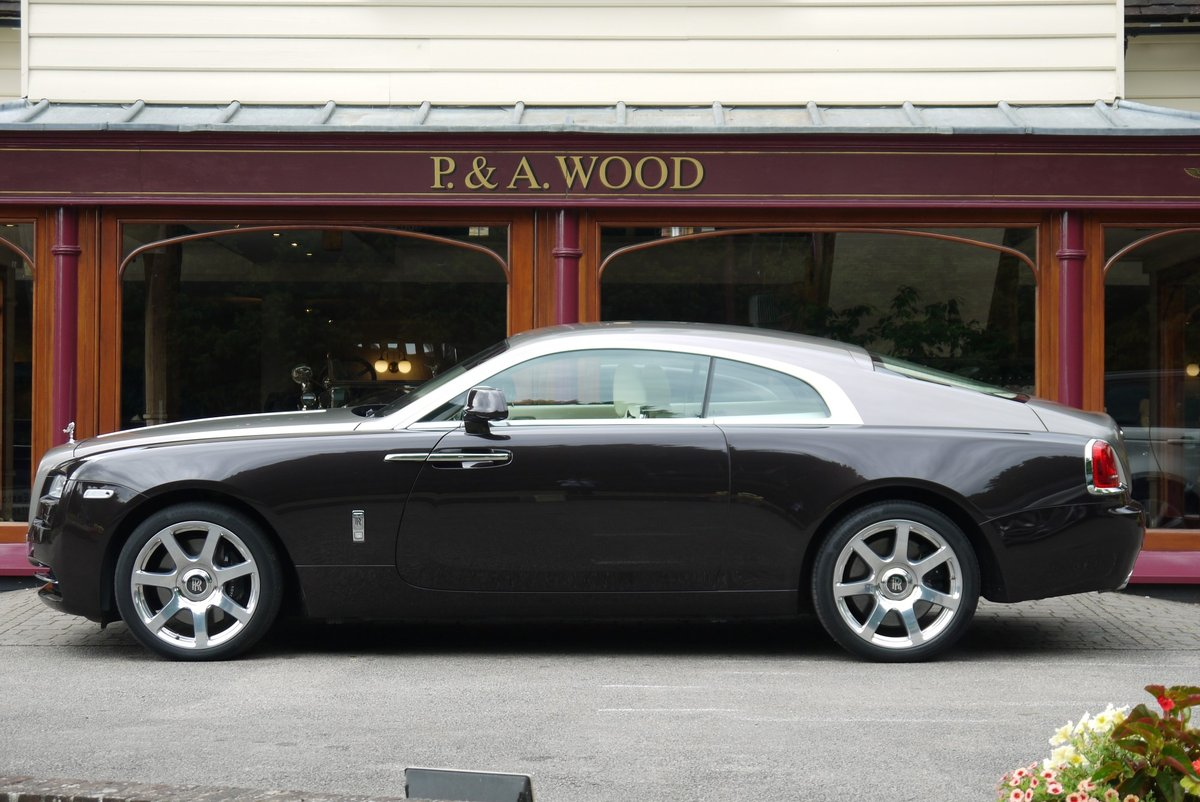 Rolls-Royce Wraith. March 2015 For Sale (picture 2 of 4)