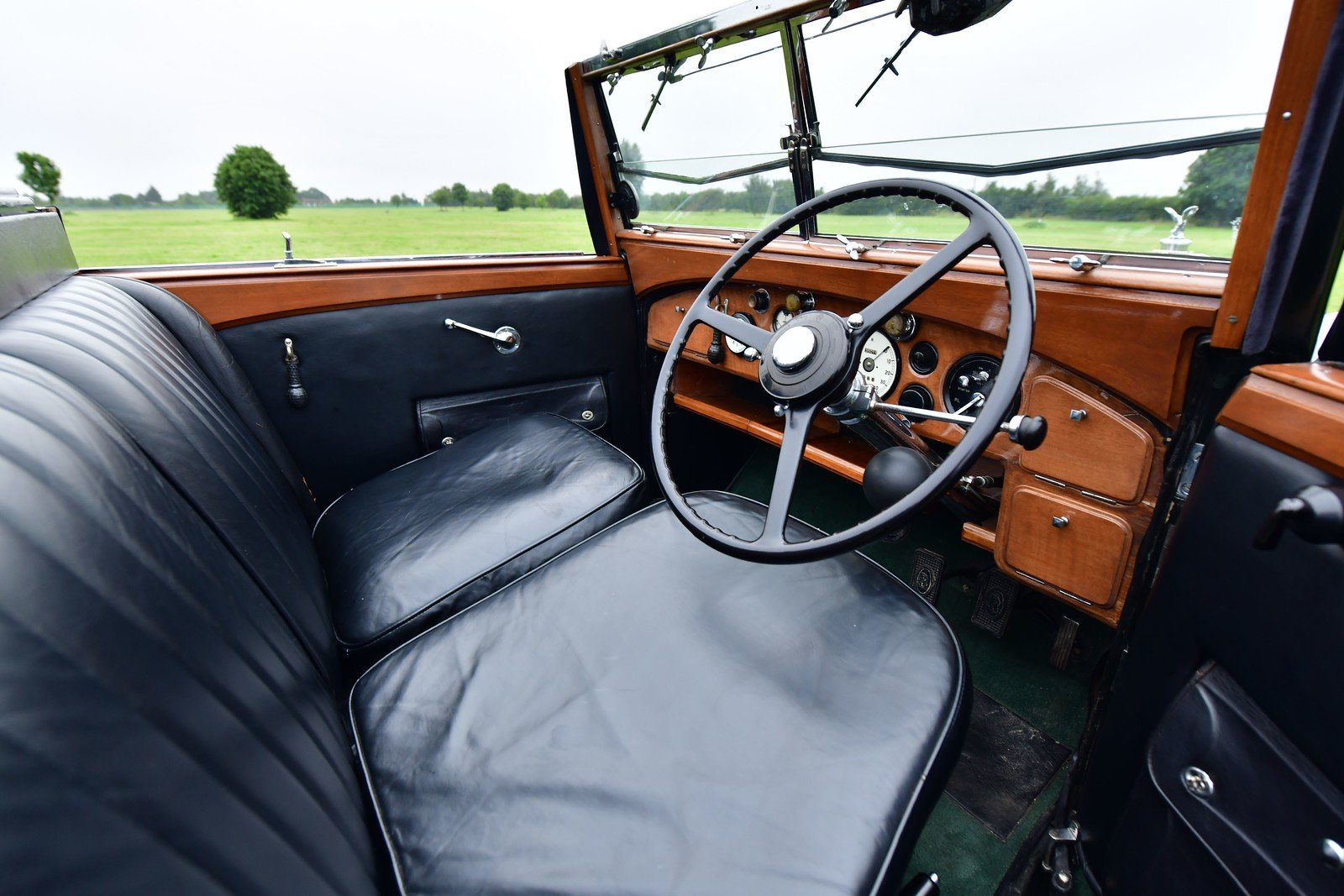 1938 Rolls-Royce Phantom III Four Light Cabriolet Coachwork  For Sale (picture 4 of 6)