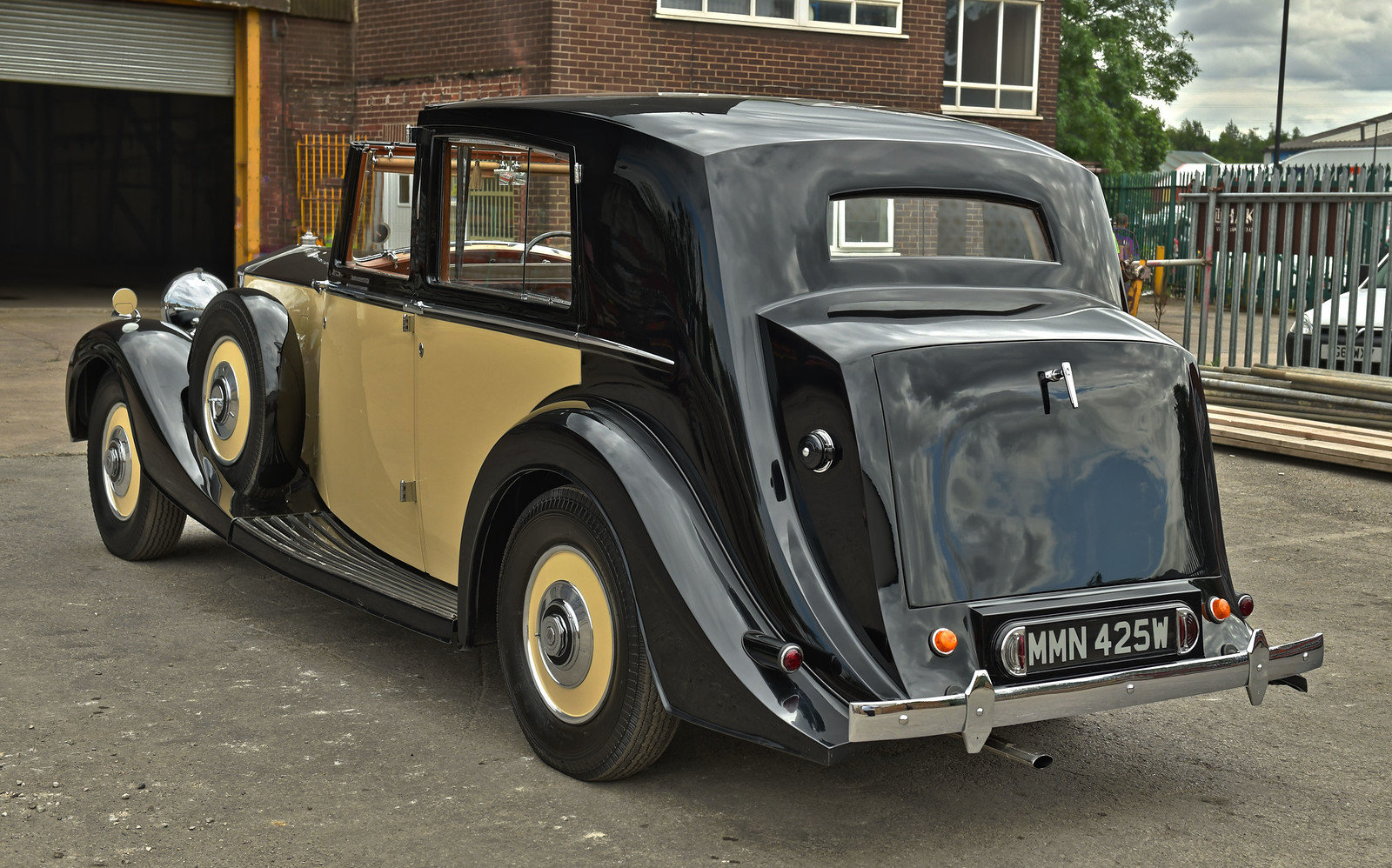 1937 Rolls Royce Phantom 3 Barker Razor Edge Sedanca For Sale (picture 3 of 6)