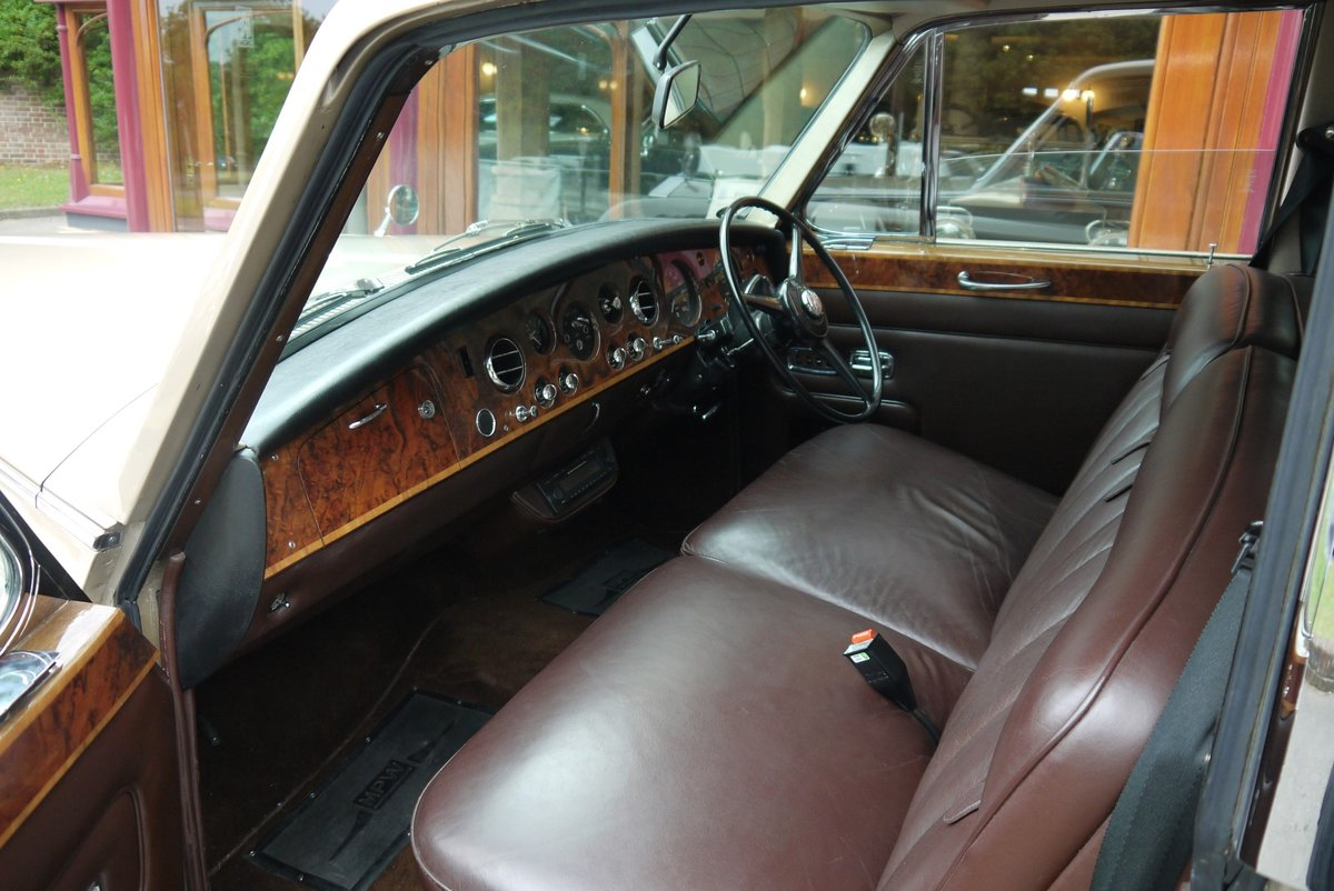 1977 Rolls-Royce Phantom VI Limousine by Mulliner Park Ward. For Sale (picture 3 of 4)