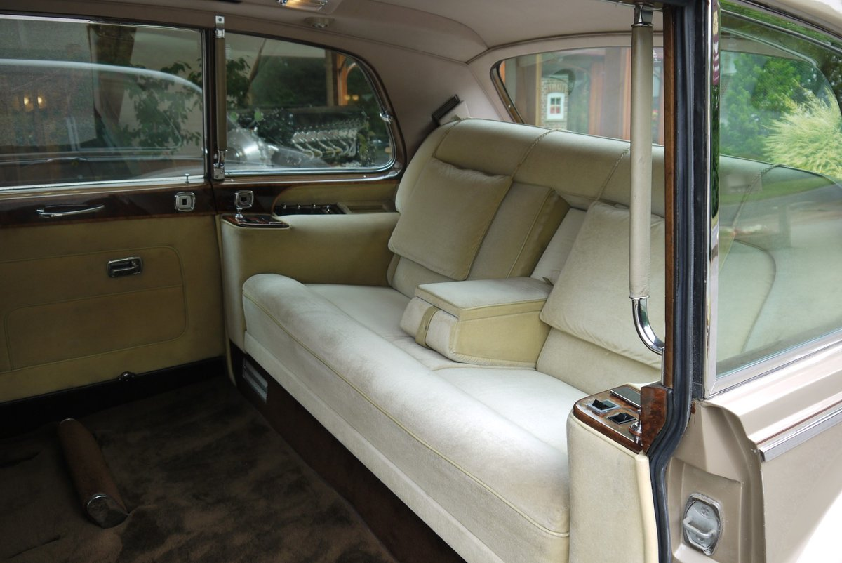 1977 Rolls-Royce Phantom VI Limousine by Mulliner Park Ward. For Sale (picture 4 of 4)