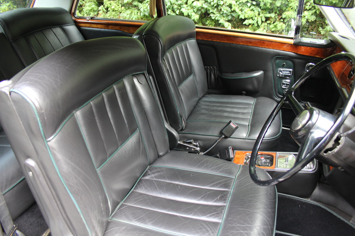 1974 Rolls Royce Corniche FHC SOLD (picture 9 of 20)