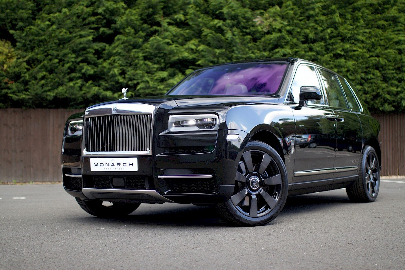 2019/19 Rolls Royce Cullinan For Sale (picture 2 of 6)