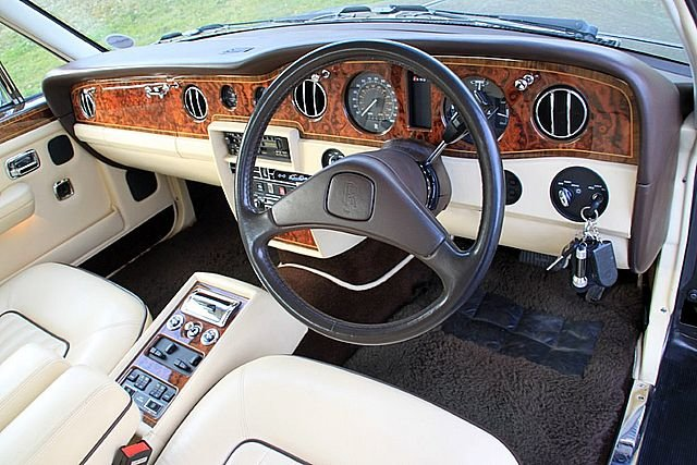 1990 Rolls Royce Silver Spirit 2 (Only 34,000 Miles) For Sale (picture 5 of 6)