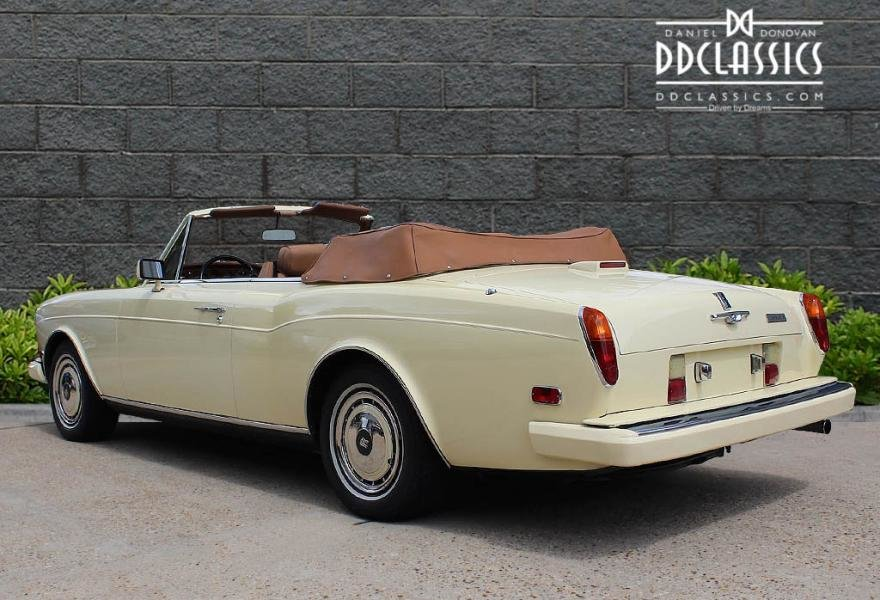 1991 Rolls-Royce Corniche III Convertible for sale in London For Sale (picture 4 of 24)
