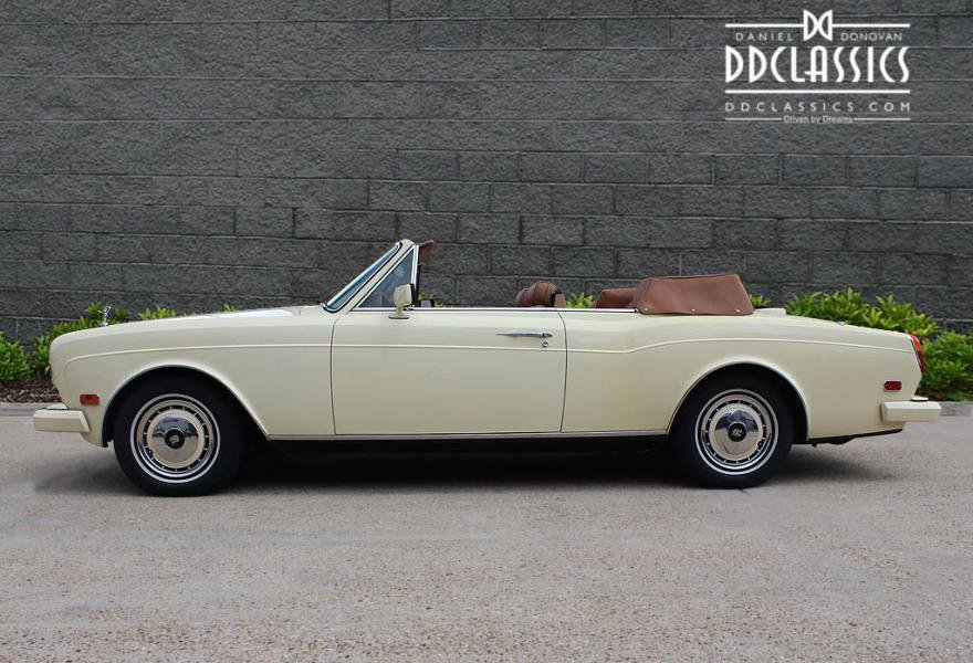 1991 Rolls-Royce Corniche III Convertible for sale in London For Sale (picture 6 of 24)