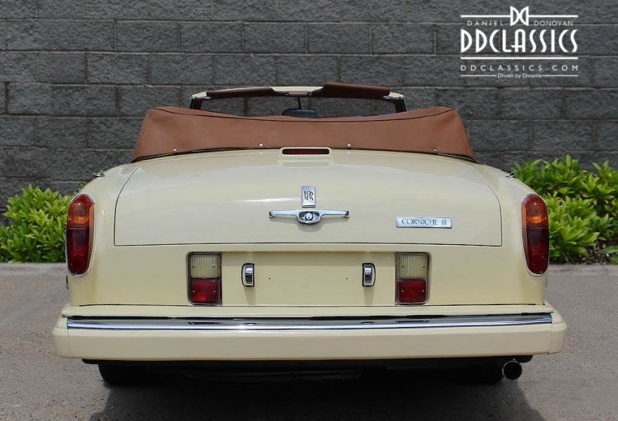 1991 Rolls-Royce Corniche III Convertible for sale in London For Sale (picture 8 of 24)