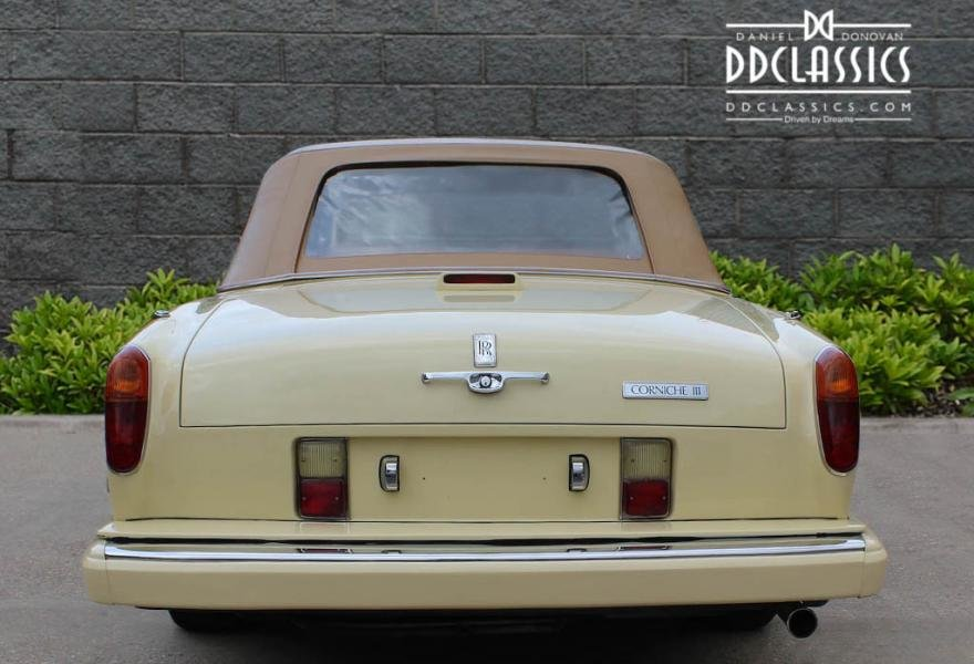 1991 Rolls-Royce Corniche III Convertible for sale in London For Sale (picture 10 of 24)