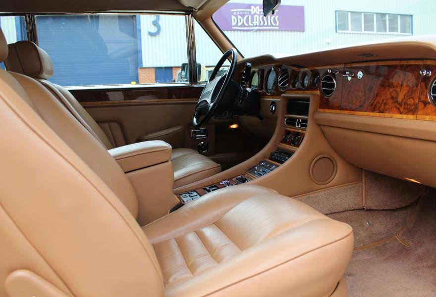 1991 Rolls-Royce Corniche III Convertible for sale in London For Sale (picture 14 of 24)