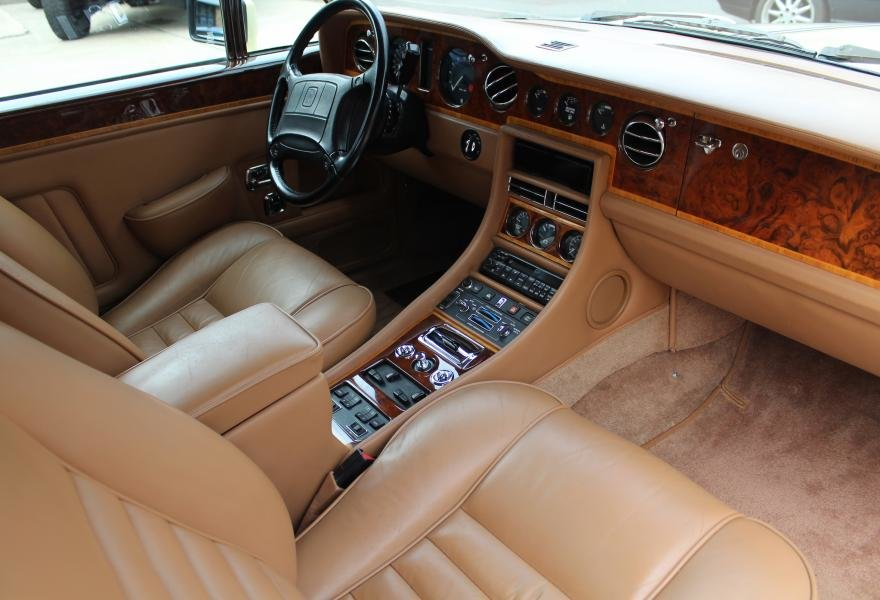 1991 Rolls-Royce Corniche III Convertible for sale in London For Sale (picture 15 of 24)