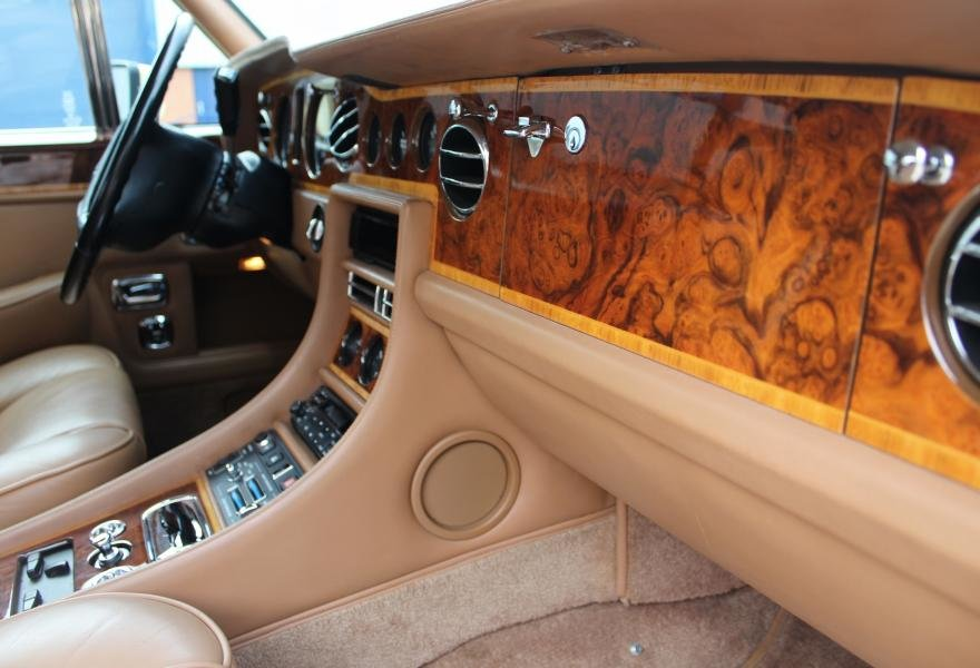 1991 Rolls-Royce Corniche III Convertible for sale in London For Sale (picture 18 of 24)
