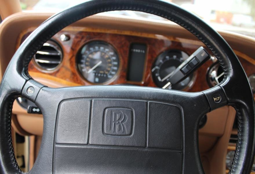 1991 Rolls-Royce Corniche III Convertible for sale in London For Sale (picture 21 of 24)