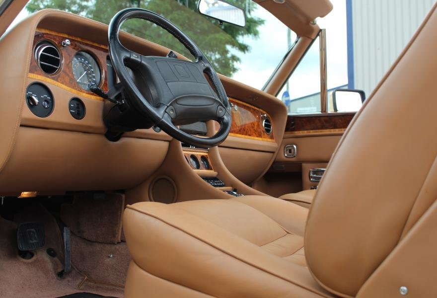 1991 Rolls-Royce Corniche III Convertible for sale in London For Sale (picture 23 of 24)