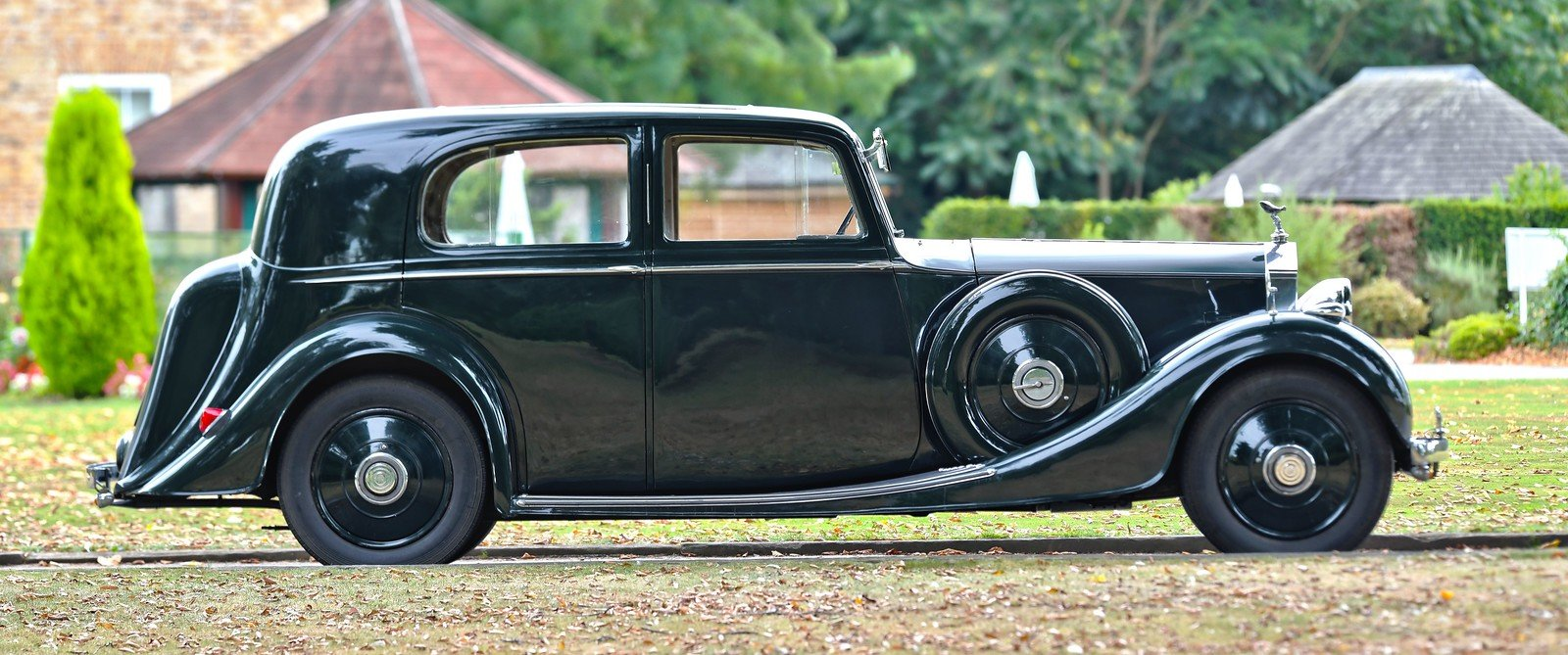 1938 Rolls Royce 25/30 H.J. Mulliner Saloon For Sale (picture 3 of 6)
