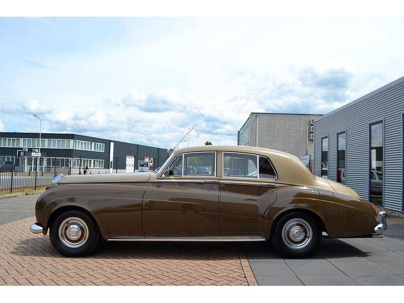 1957 Rolls-Royce Silver Cloud I Restored  For Sale (picture 2 of 6)