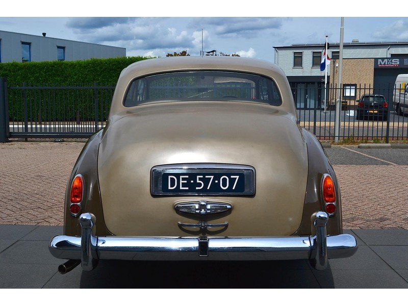 1957 Rolls-Royce Silver Cloud I Restored  For Sale (picture 3 of 6)