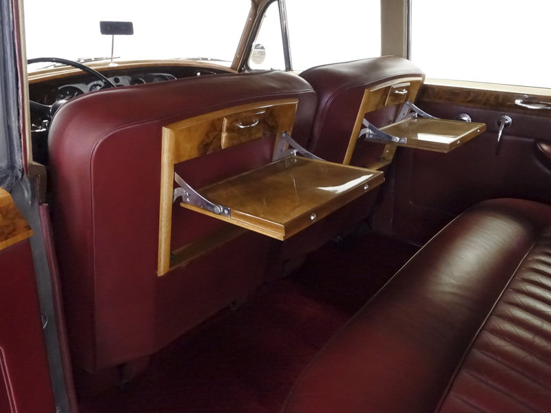 1961 Rolls-Royce Silver Cloud II Long Wheelbase Saloon For Sale (picture 4 of 6)