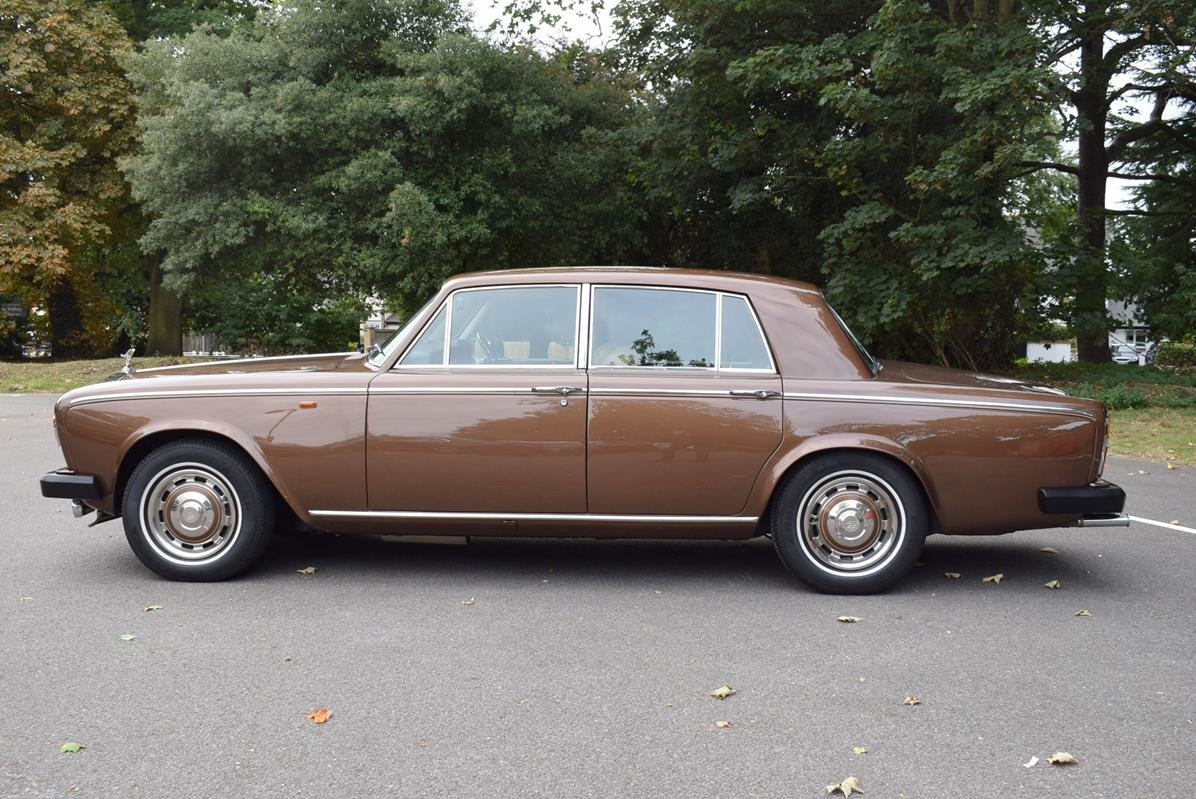 1980 V Rolls Royce Silver Shadow Series II in Walnut For Sale (picture 4 of 6)
