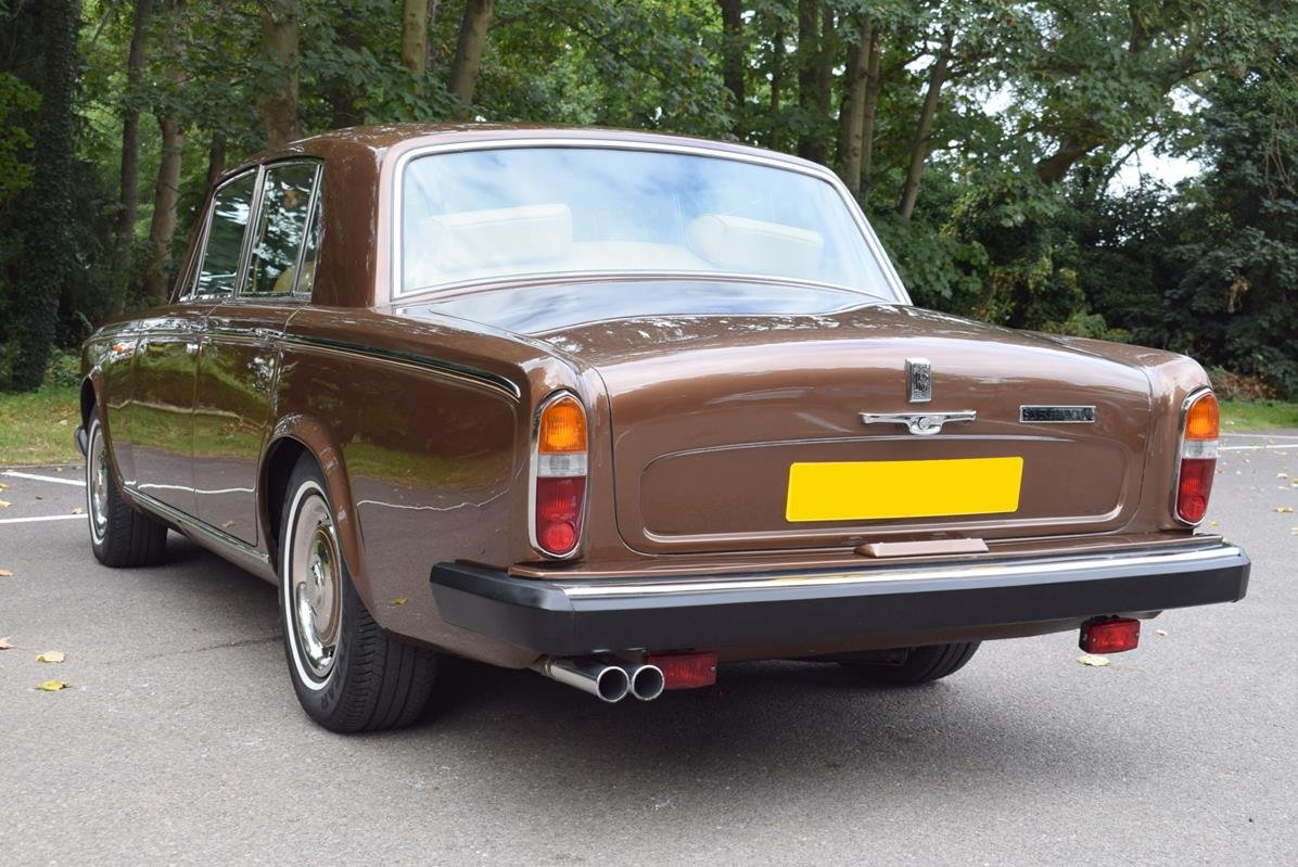 1980 V Rolls Royce Silver Shadow Series II in Walnut For Sale (picture 5 of 6)