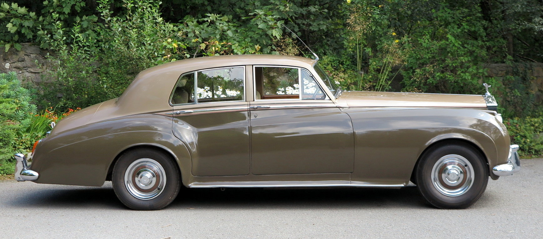 1961 Rolls-Royce Silver Cloud II Four Door Saloon SZD241 For Sale (picture 3 of 6)