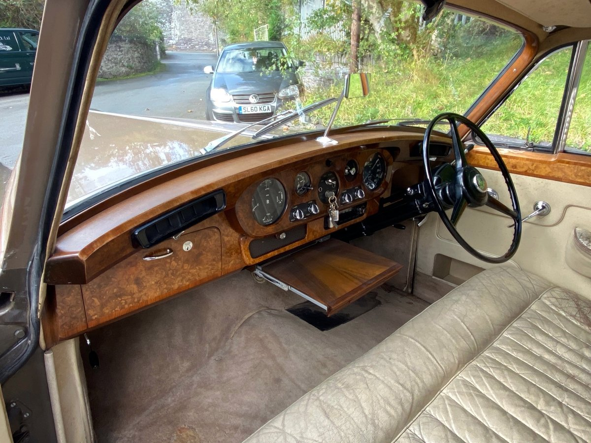 1961 Rolls-Royce Silver Cloud II Four Door Saloon SZD241 For Sale (picture 4 of 6)