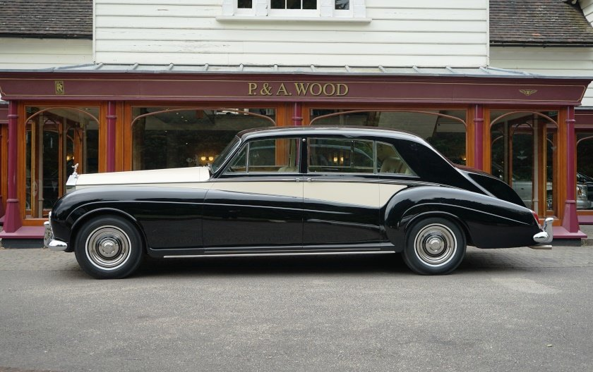 Rolls-Royce Phantom V 1966 LHD PV23 Limousine by James Young For Sale (picture 2 of 6)