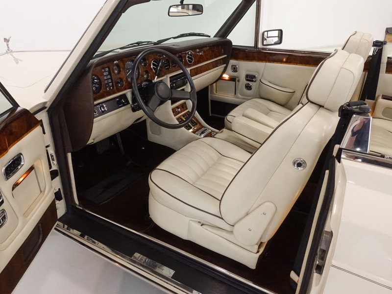1987 Rolls-Royce Corniche II Convertible For Sale (picture 3 of 6)