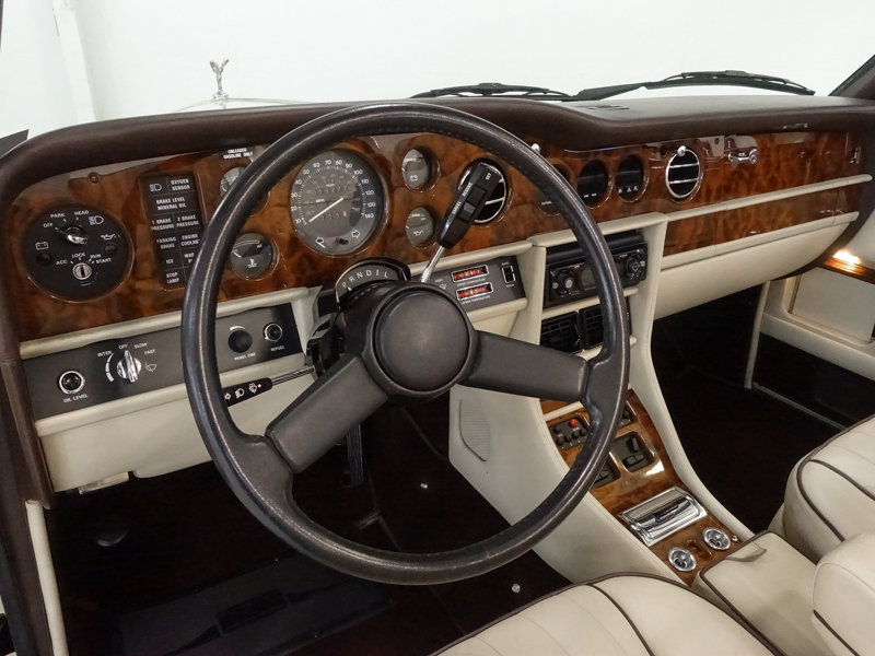 1987 Rolls-Royce Corniche II Convertible For Sale (picture 4 of 6)