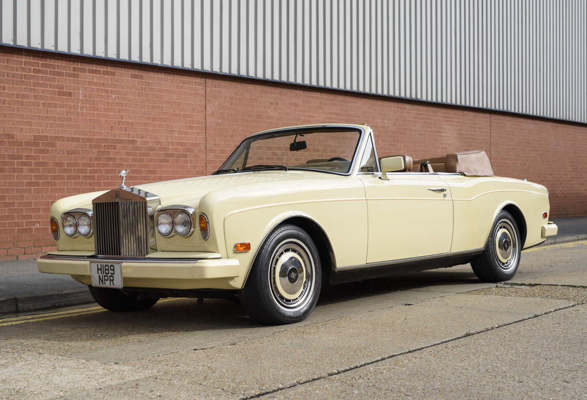 1991 Rolls-Royce Corniche III Convertible for sale in London For Sale (picture 1 of 23)