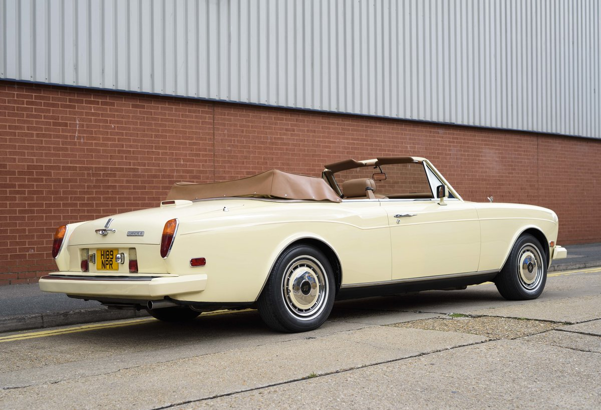 1991 Rolls-Royce Corniche III Convertible for sale in London For Sale (picture 3 of 23)