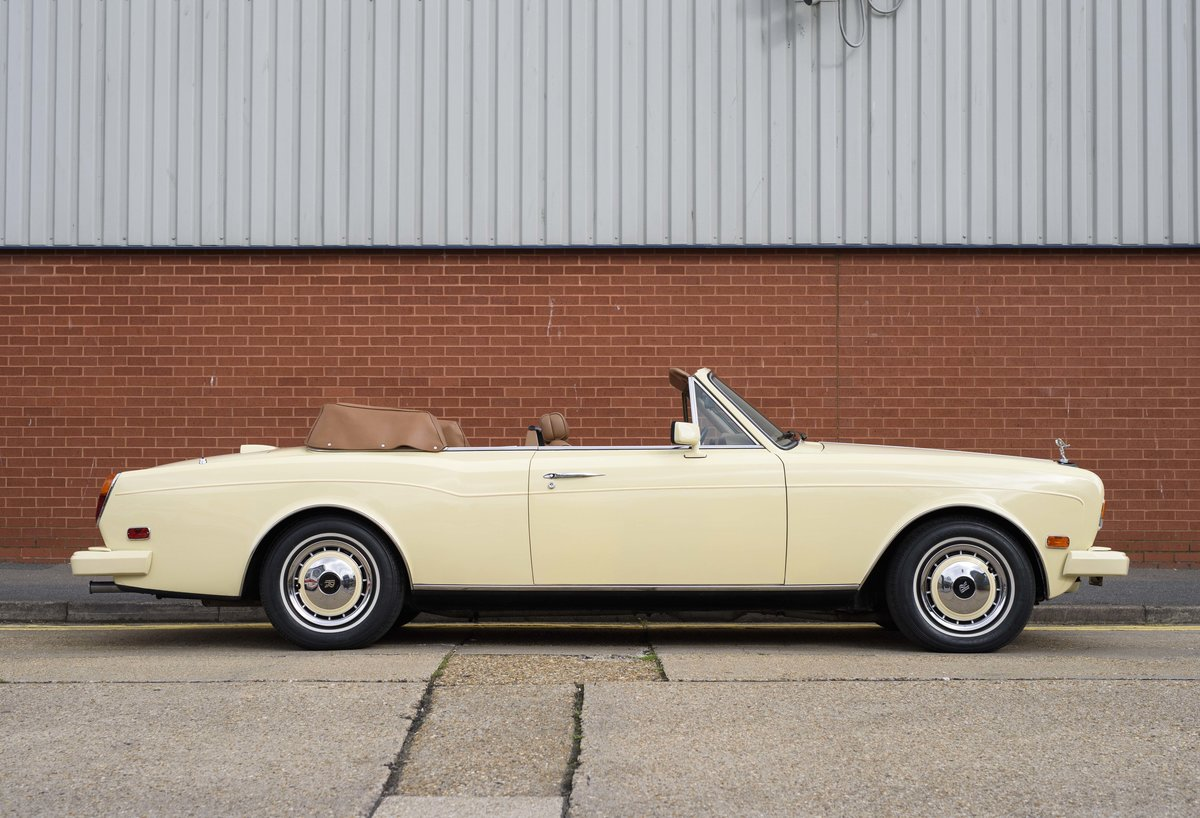 1991 Rolls-Royce Corniche III Convertible for sale in London For Sale (picture 5 of 23)