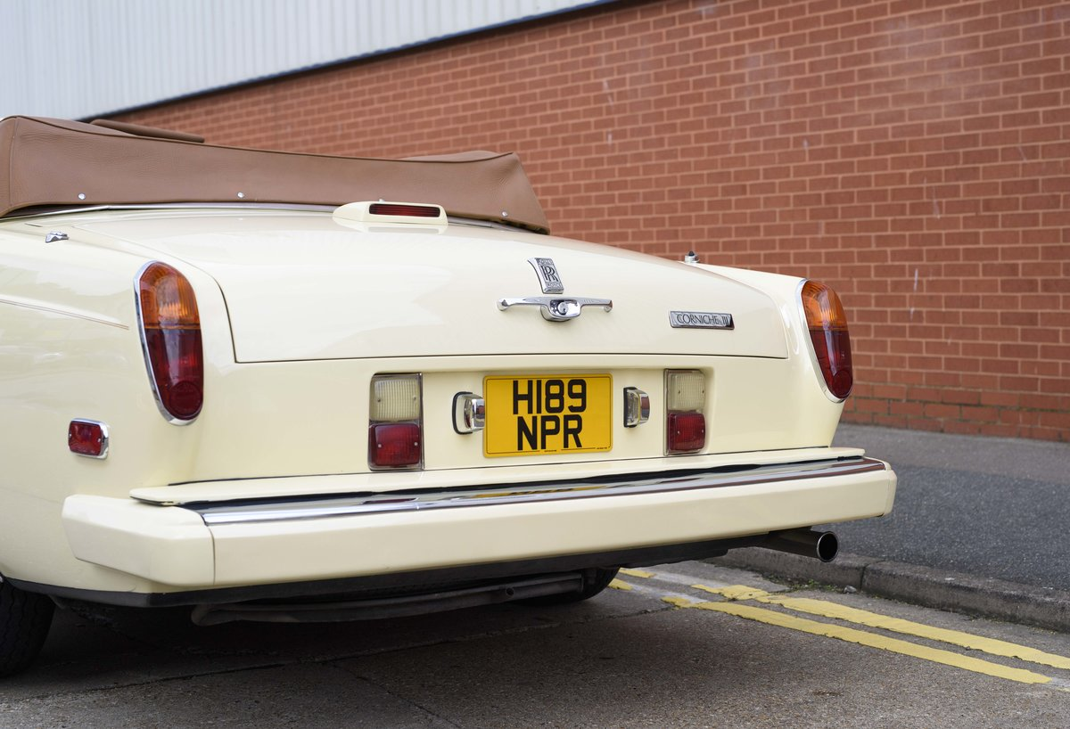 1991 Rolls-Royce Corniche III Convertible for sale in London For Sale (picture 9 of 23)
