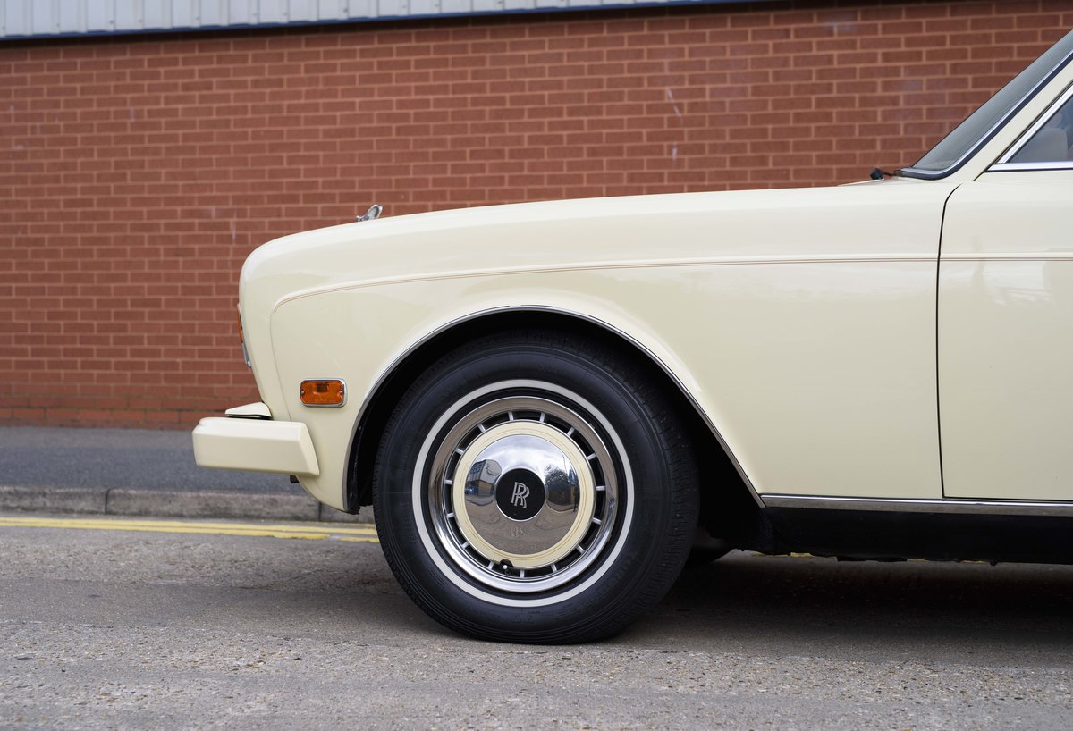 1991 Rolls-Royce Corniche III Convertible for sale in London For Sale (picture 11 of 23)