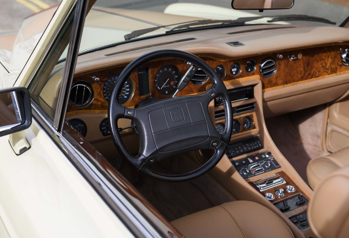 1991 Rolls-Royce Corniche III Convertible for sale in London For Sale (picture 14 of 23)