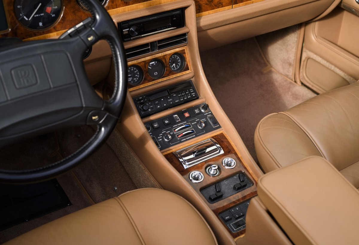 1991 Rolls-Royce Corniche III Convertible for sale in London For Sale (picture 16 of 23)