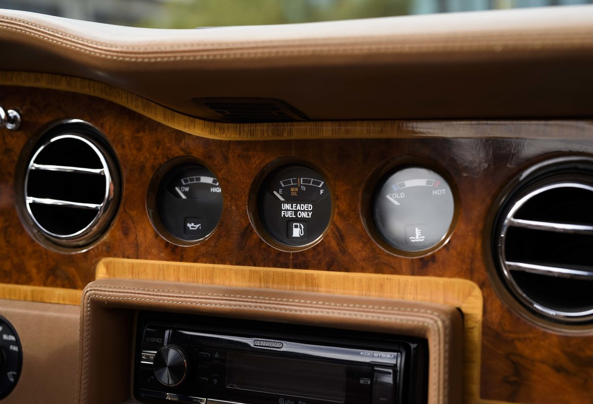 1991 Rolls-Royce Corniche III Convertible for sale in London For Sale (picture 17 of 23)