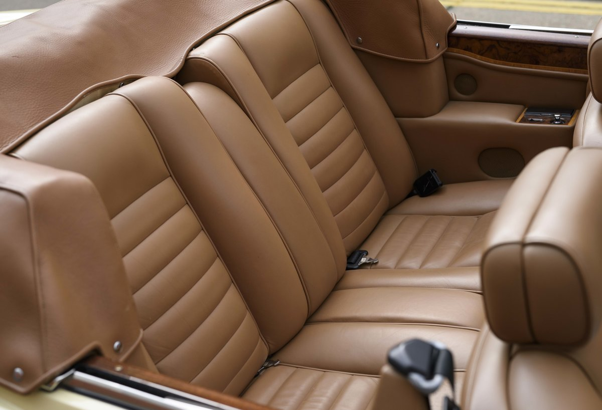 1991 Rolls-Royce Corniche III Convertible for sale in London For Sale (picture 19 of 23)