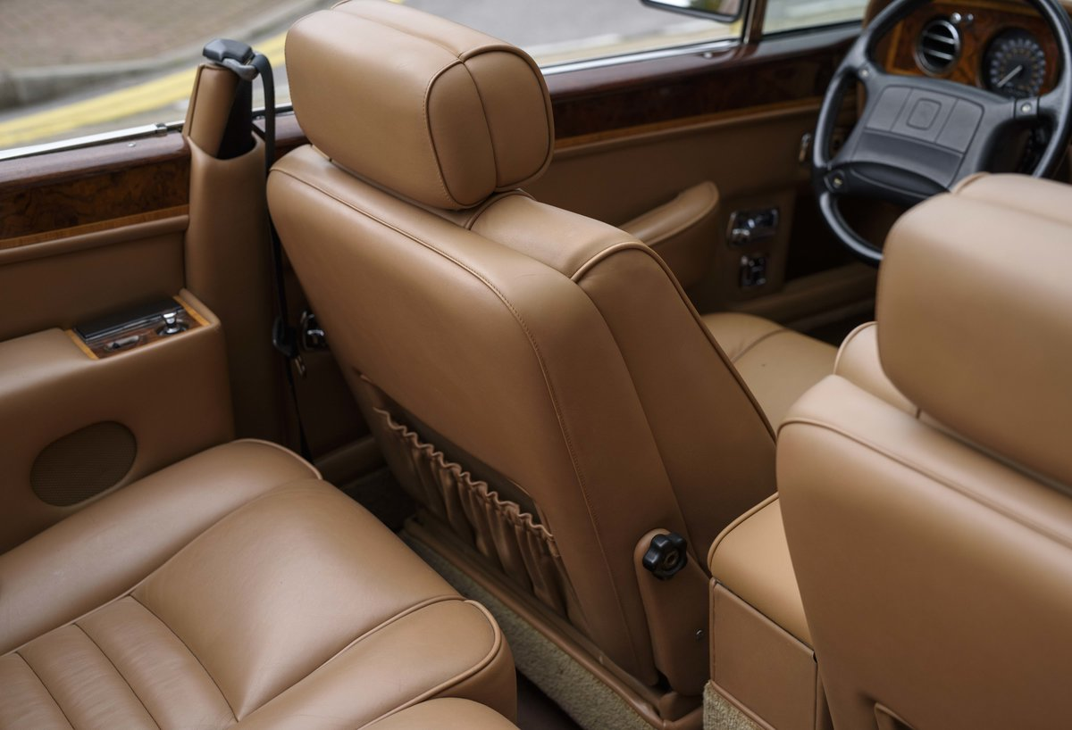 1991 Rolls-Royce Corniche III Convertible for sale in London For Sale (picture 20 of 23)