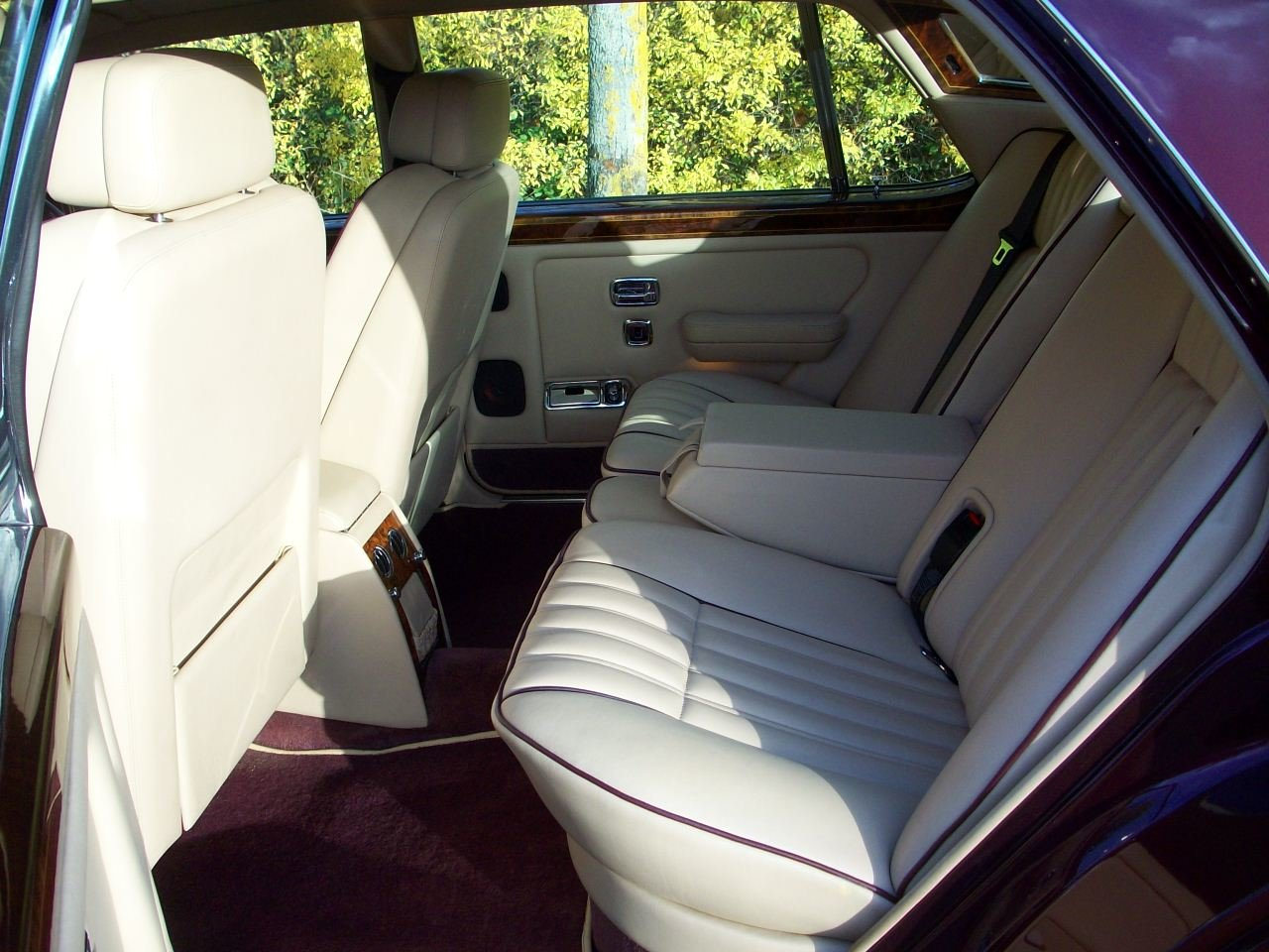 1997 ROLLS-ROYCE SILVER DAWN SOLD (picture 4 of 6)
